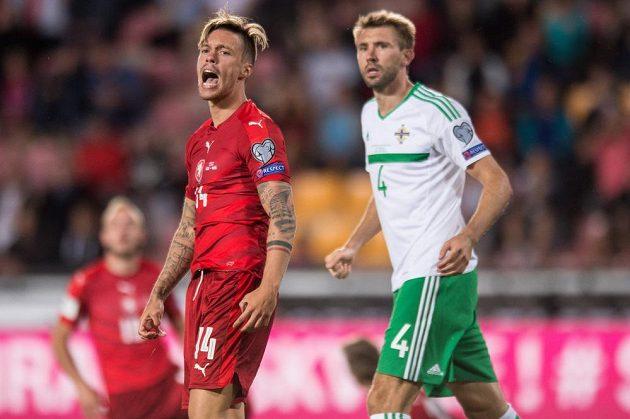Václav Kadlec spálil šanci, Česko se proti Severnímu Irsku gólově neprosadilo.