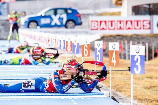 Jediná chyba na střelnici, jinak velmi dobrý výkon Lucie Charvátové ve sprintu v Hochfilzenu.