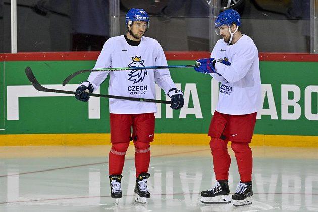 Jan Kovář (vlevo) a Filip Zadina by opět měli nastoupit v elitním českém útoku.