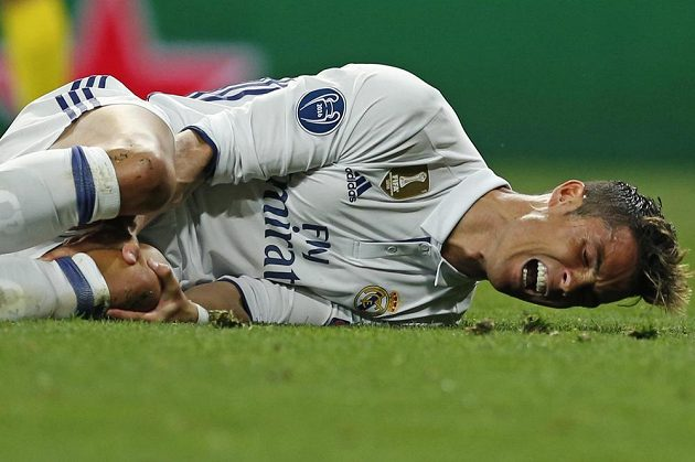 Hvězdu Realu Cristiana Ronalda odvetný duel s Bayernem hodně bolel.
