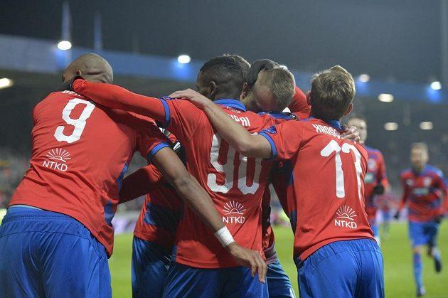 Hráči Plzně se radují z gólu