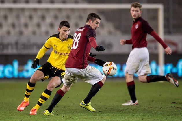 Zimní posila Sparty Ondřej Zahustel během přípravného utkání s Borussií Dortmund.