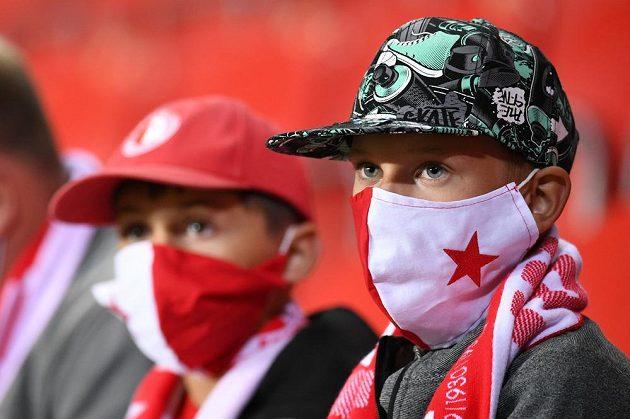 Fanoušci fotbalové Slavie během utkání s Teplicemi.