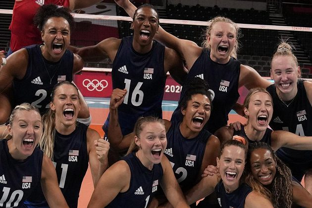 Americké volejbalistky si na olympijském turnaji v Tokiu zahrají o zlato