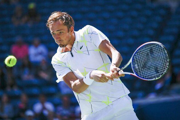 Ruský tenista Daniil Medveděv postoupil na US Open do druhého kola.
