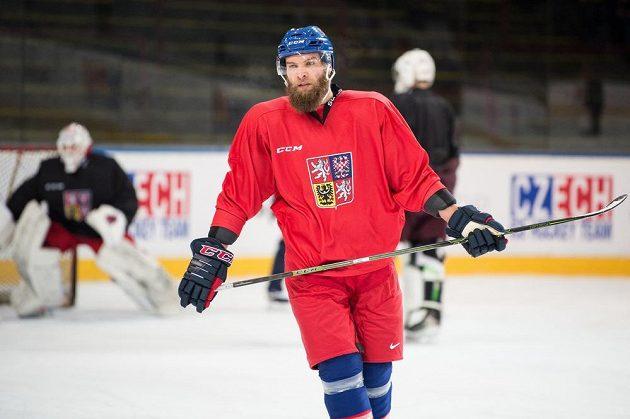 Adam Polášek během tréninku hokejové reprezentace.