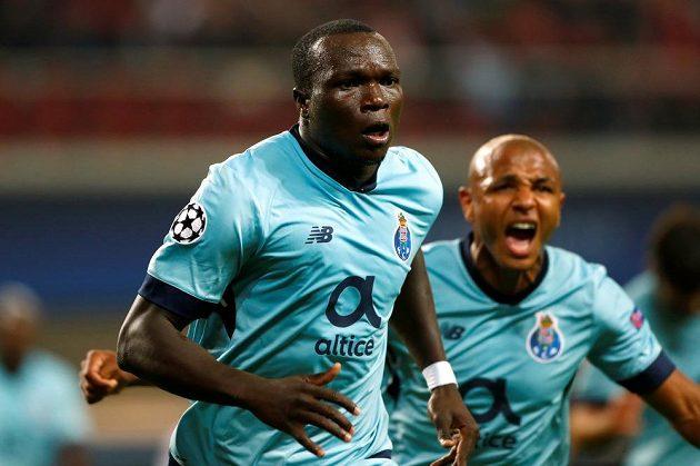Vincent Aboubakar z FC Porto oslavuje trefu proti Lipsku.