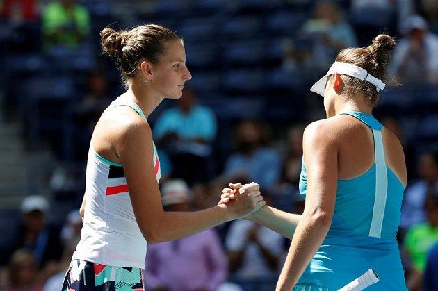 Tenistka Karolína Plíšková zvládla bez problémů osmifinále grandslamového US Open. Světová jednička porazila Američanku Jennifer Bradyovou v New Yorku suverénně 6:1, 6:0.