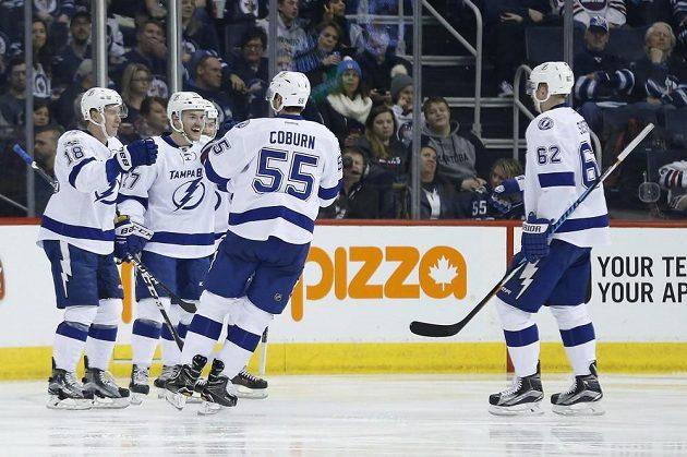 Hokejisté Tampy vybojovali důležité vítězství ve Winnipegu.