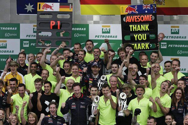 Úžasné, díky Marku! Tým Red Bull se loučí s Markem Webberem.