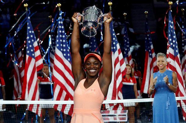 Tohle je sen! Americká tenistka Sloane Stephensová porazila v dnešním jednoznačném finále US Open krajanku Madison Keysovou 6:3 a 6:0 a vyhrála první grandslamový turnaj v kariéře. Chvíle štěstí si užívala naplno.
