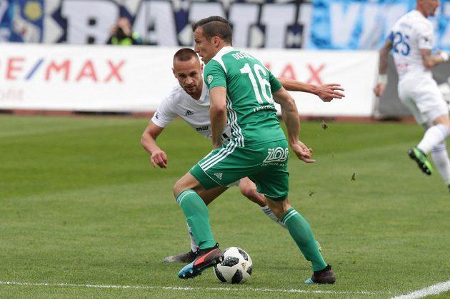Zleva Denis Granečný z Ostravy a Martin Dostál z Bohemians.