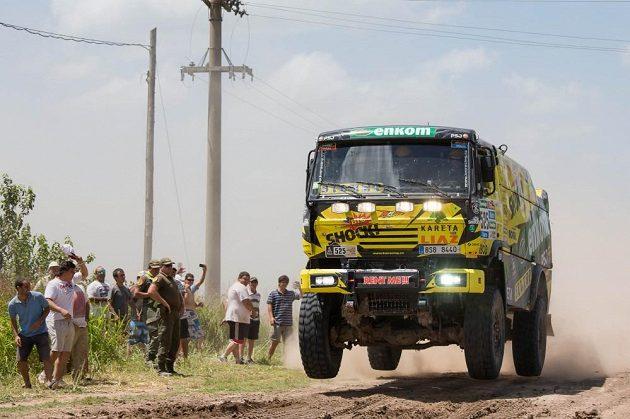 Martin Macík ml. s kamiónem Liaz na trati první etapy Rallye Dakar.