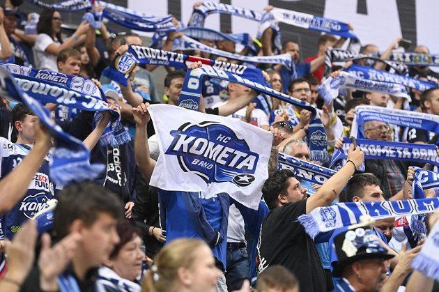 Fanoušci hokejové Komety Brno během extraligového duelu se Spartou.