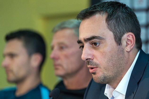 Generální ředitel Sparty Praha Adam Kotalík během tiskové konference před startem sezóny 2016/2017.
