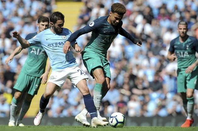 Fotbalisté Manchesteru City si poradili s Tottnehamem a jsou opět první