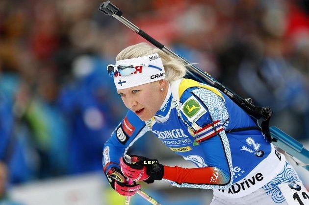 Kaisa Mäkäräinenová z Finska při vytrvalostním závodě v Ruhpoldingu.