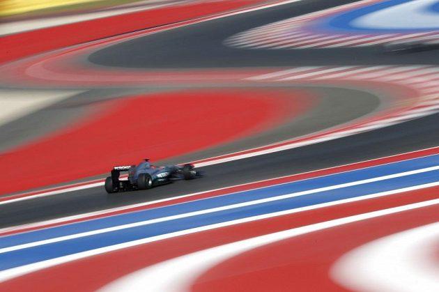 Červená a modrá rapsodie... Poslední Schumacherův závod v Americe.