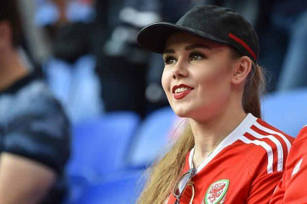 Příznivkyně fotbalistů Walesu v semifinále ME proti Portugalsku.
