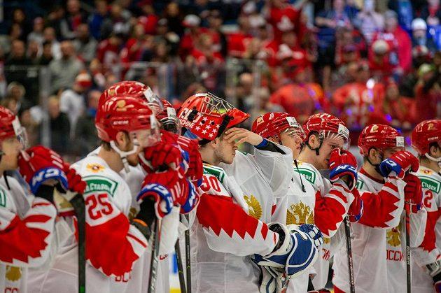Smutek týmu Ruska po finálové prohře s Kanadou.