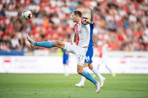 Kapitán fotbalové Slavie Milan Škoda v akci během utkání 3. předkola Ligy mistrů, kdy bylo soupeřem Pražanů Dynamo Kyjev.