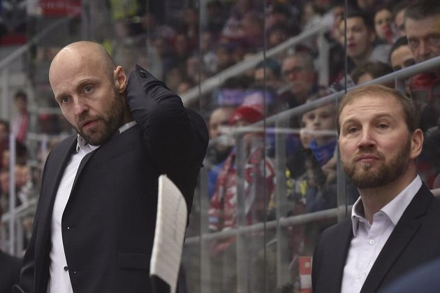Zleva trenéři Jaroslav Hlinka a Petr Ton ze Sparty.