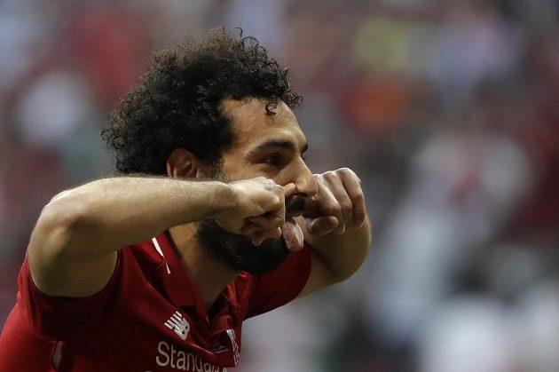 Liverpoolský bombarďák Mohamed Salah slaví po proměněné penaltě ve finále Ligy mistrů.