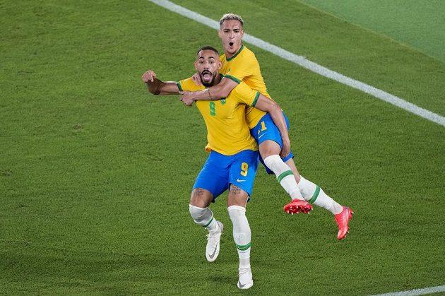 Brazilská radost po vítěztví ve finále olympijského turnaje v Tokiu.