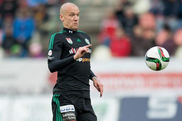 Příbramský fotbalista Radek Dosoudil v utkání se Spartou.