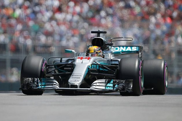 Lewis Hamilton z Mercedesu během kvalifikace na Velkou cenu Kanady.