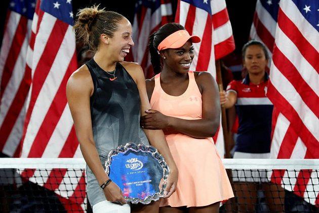 Americká tenistka Sloane Stephensová porazila v dnešním jednoznačném finále US Open krajanku Madison Keysovou 6:3 a 6:0 a vyhrála první grandslamový turnaj v kariéře. Po finále se nakonec smály obě tenistky.