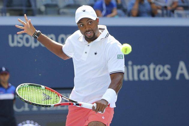 Domácí Donald Young na US Open na Švýcara Wawrinku nestačil.