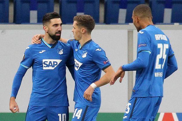 Fotbalisté Hoffenheimu slaví další branku do sítě Liberce