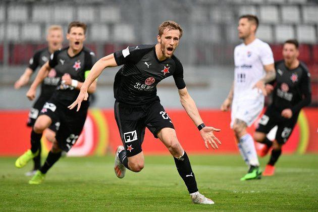 Slávista Tomáš Souček se raduje poté, co v první půli finále MOL Cupu proti Baníku proměnil nařízenou penaltu.