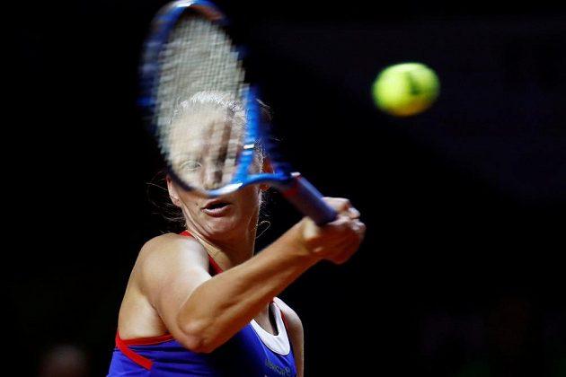 Úder české jedničky Karolíny Plíškové ve fedcupovém semifinále proti Němce Angelique Kerberové.