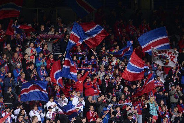 Fanoušci Viktorie Plzeň během utkání základní skupiny Ligy mistrů s Manchesterem City.