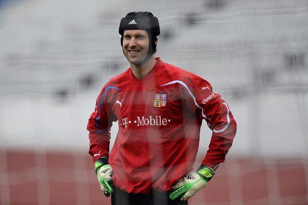 Brankář Petr Čech na tréninku národního týmu.