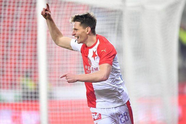 Lukáš Masopust slaví vstřelenou branku Baníku Ostrava.