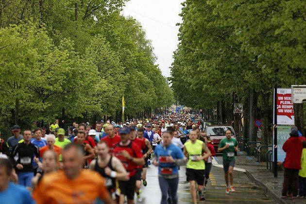 """Ženevský maratón - z ženevských ulic se závod přesunul i na """"venkov""""."""