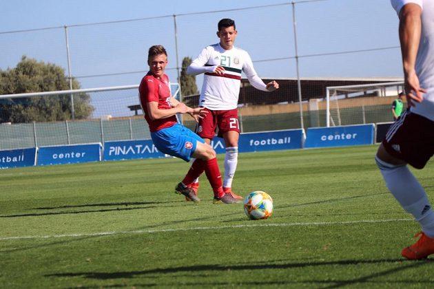 Česká reprezentační jednadvacítka rozdrtila na soustředění ve Španělsku o rok mladí soupeře z Mexika 4:0.