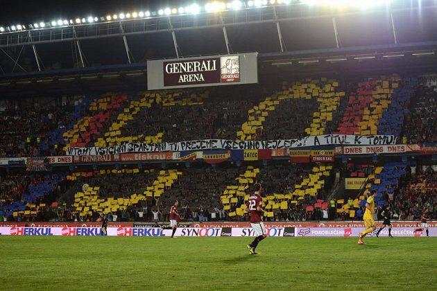 Sparťanští fanoušci připravili trenérovi Vítězslavu Lavičkovi choreo, v němž mu přejí vše nejlepší k jeho 50. narozeninam.