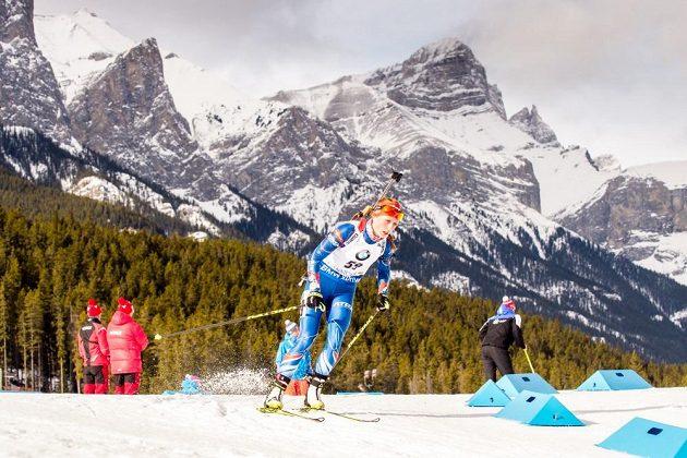Česká reprezentantka Jessica Jislová na trati v kanadském v Canmore.