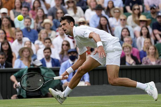 Srb Novak Djokovič si zajistil své padesáté grandslamové čtvrtfinále.