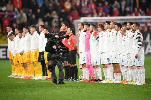 Týmy ČR a Walesu před zápasem kvalifikace MS.