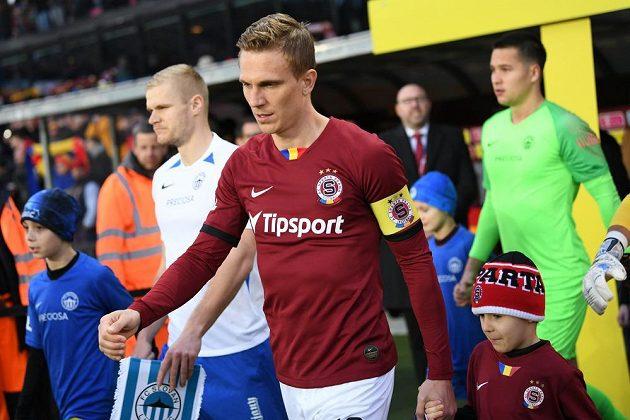Sparťanský špílmachr Bořek Dočkal je po vážném zranění zpátky v lize v rudém dresu.