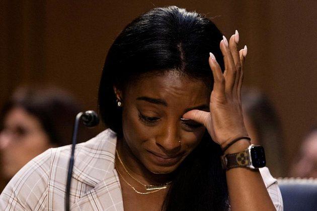 Simone Bilesová nezvládla příval emocí a rozplakala se