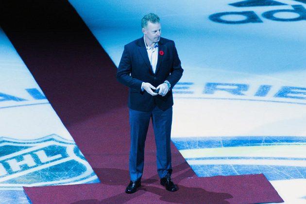 Slavnostní buly hodil před sobotním duelem Global Series ve Stockholmu Daniel Alfredsson.
