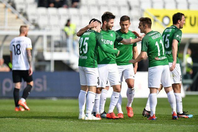 Fotbalisté Jablonce se radují z gólu v ligovém utkání s Příbramí.