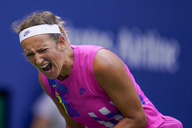 Běloruská tenistka Victoria Azarenková ve finále US Open po nepovedeném úderu.
