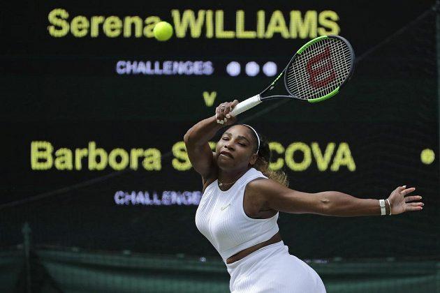 Americká tenistka Serena Williamsová během semifinále Wimbledonu.